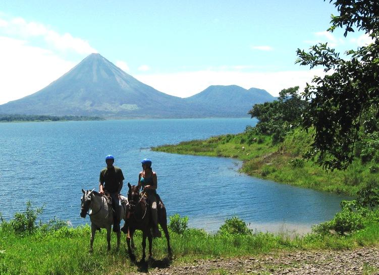 horseback_lake_trail_arenal2